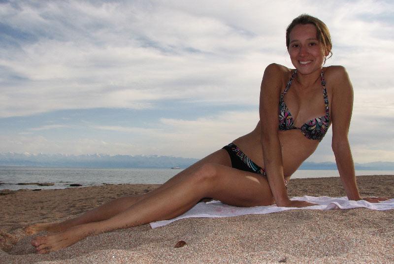 Дина на пляже