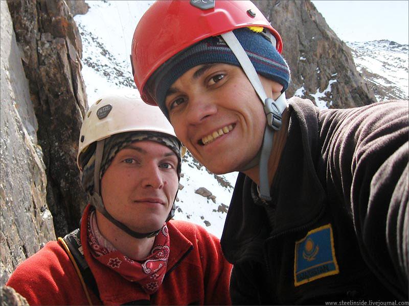 Дима Дегтярёв (улыбается) и Кирилл Белоцерковский