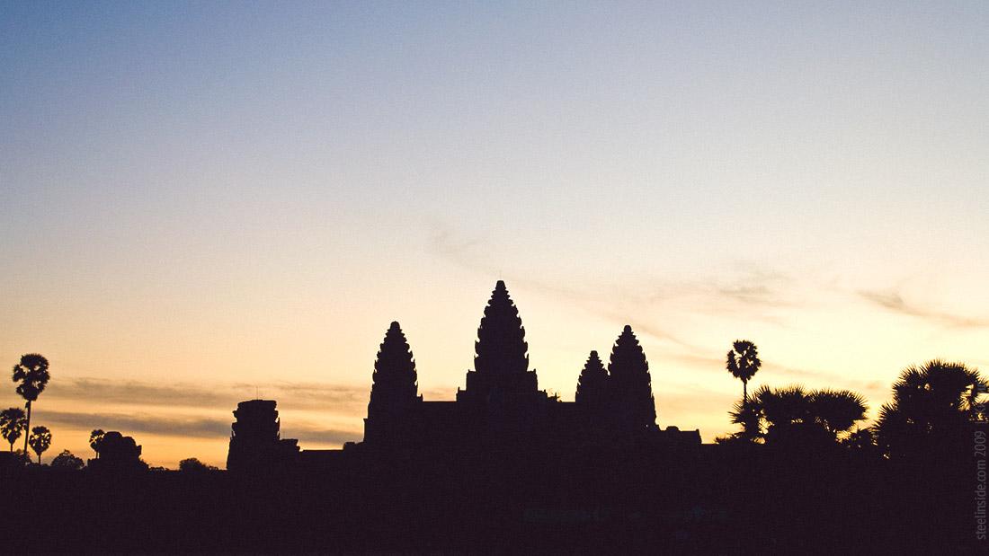 Ангкор Ват перед рассветом