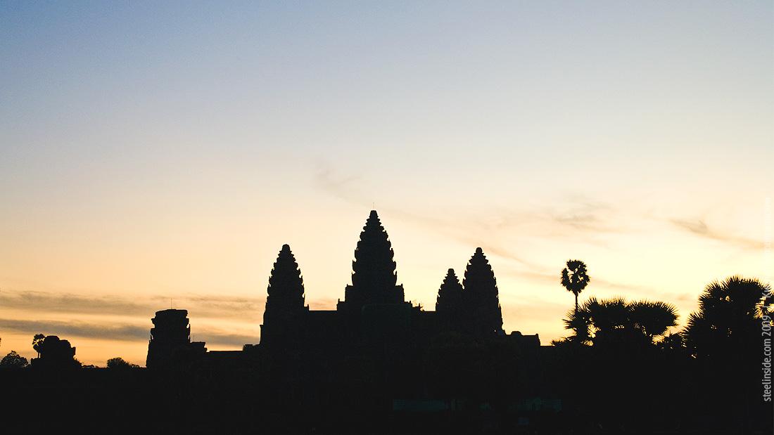 Ангкор-Ват перед рассветом