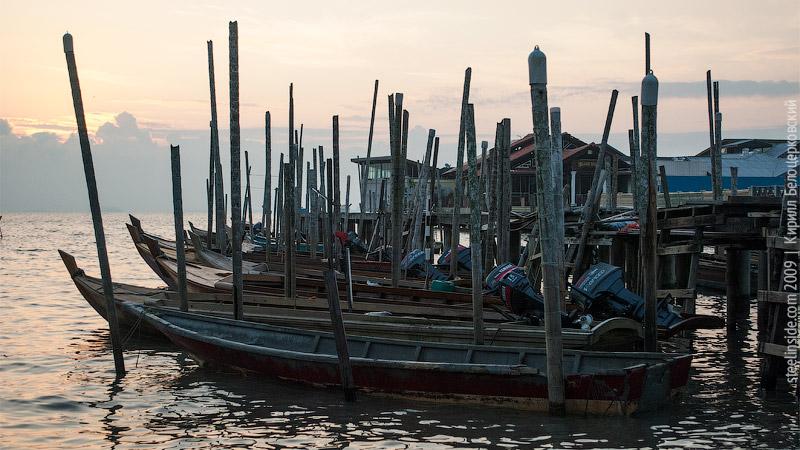 Лодки возле мыса Пиай