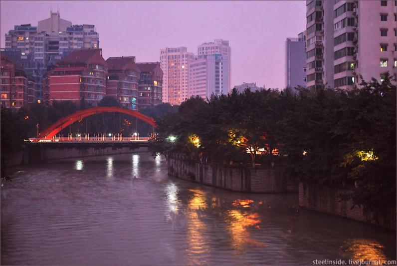 Река в Ченду