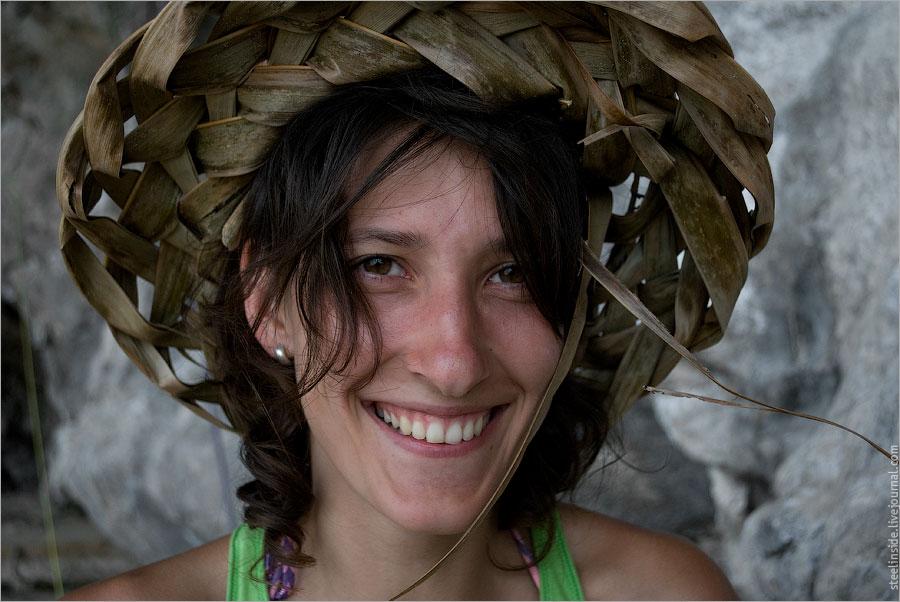 Александра Балакирева в шляпе