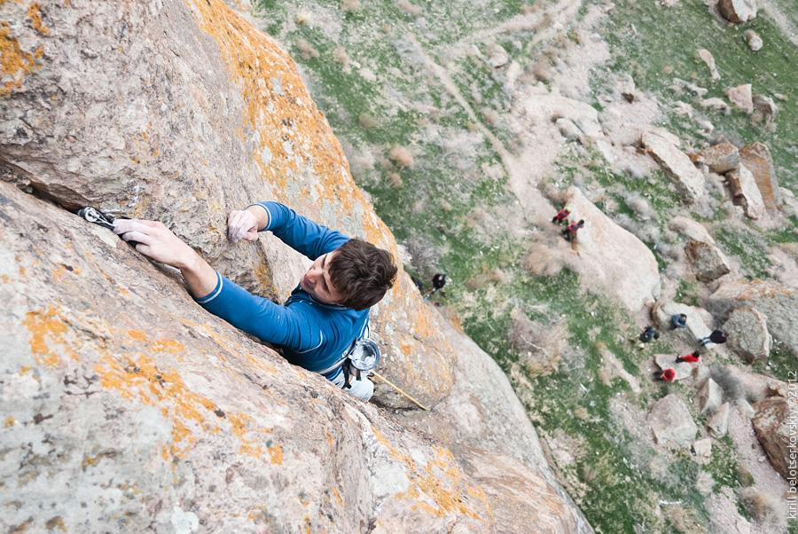Павел Грязнов заканчивает лезть «Ломовую щель»