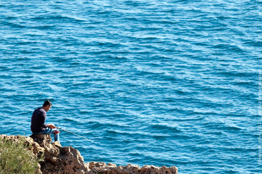 Рыбак в Анталье