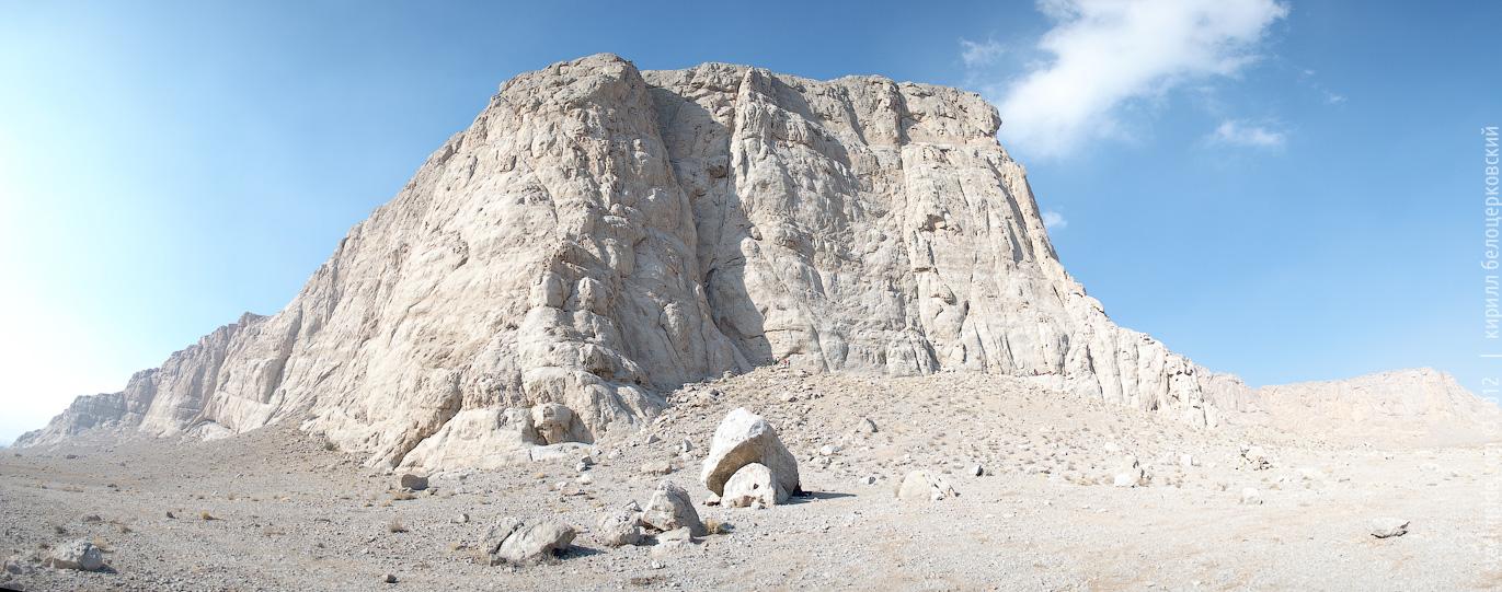 Скалы в Иране. Исфазан. Полисро.Скалы в Иране. Исфазан. Полисро.