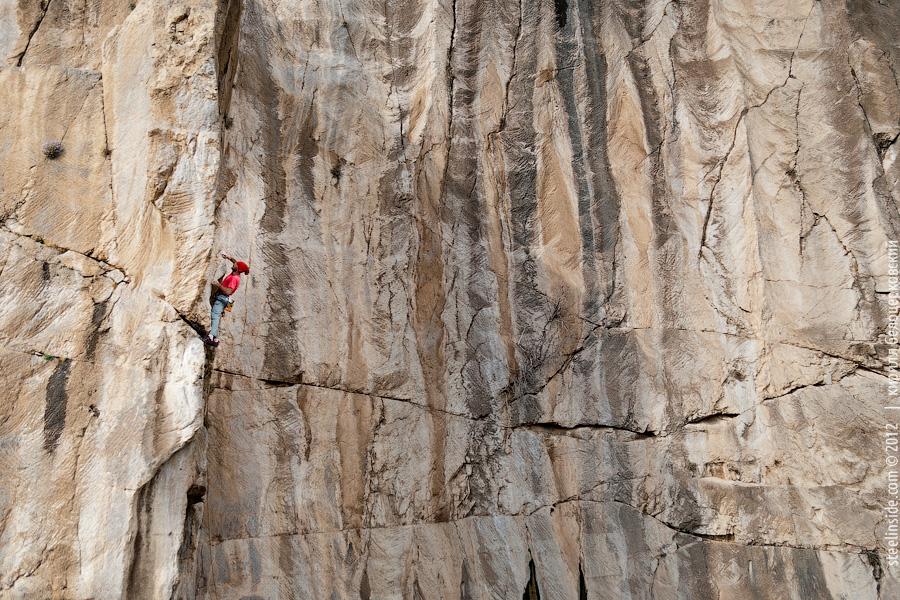 Скалолазание в Иране. Бисотун. Стена Фархад Тараш