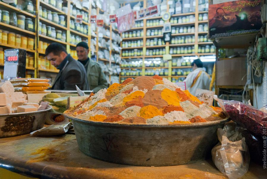 Специи на базаре в Исфахане