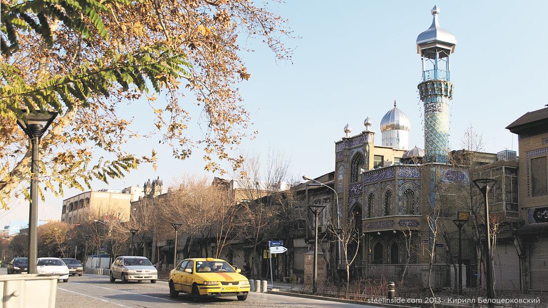 Улица рядом с базаром в Тегеране