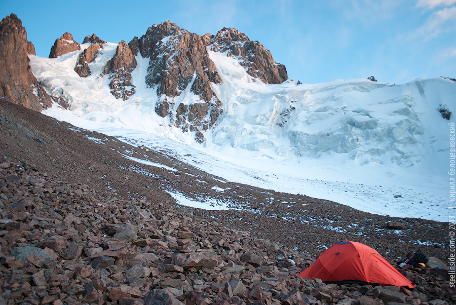 Палатка, ледник Южный Талгар, пик Труд