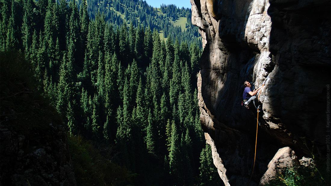 Скалы на Бутаковском водопаде