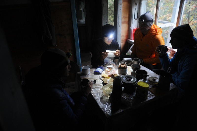 Вечер в альплагере