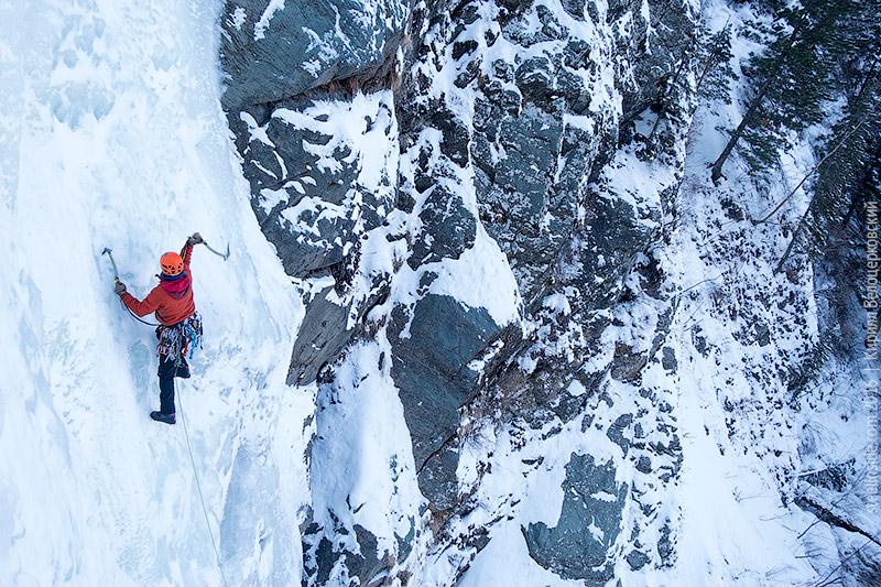 Иван Темерев на второй ступени водопада