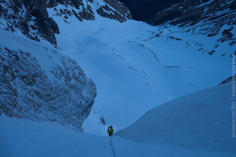 Макс Тен выше первой ледовой стенки