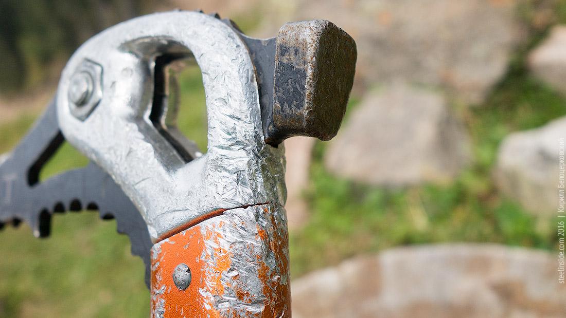 Молоток и головка инструмента