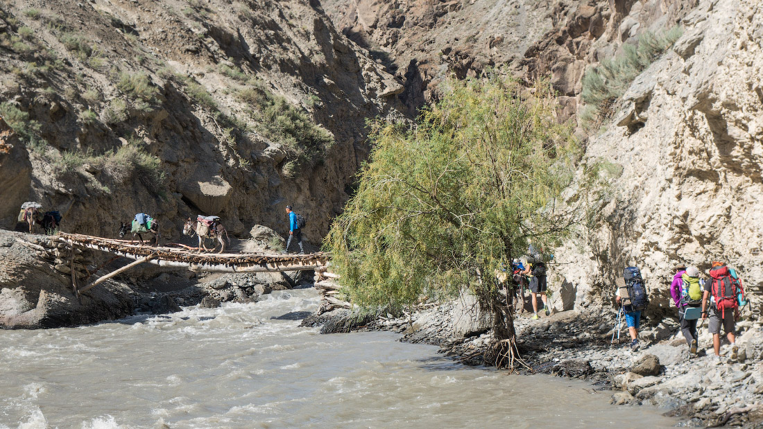 Мост через реку Каравшин