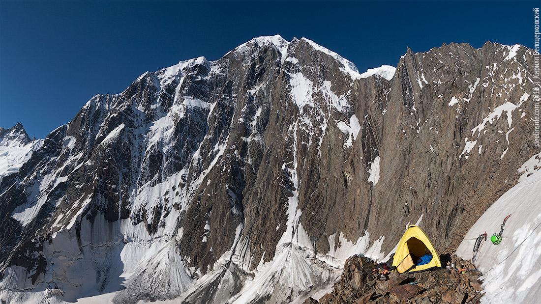 Палатка на перевале Наблюдателей