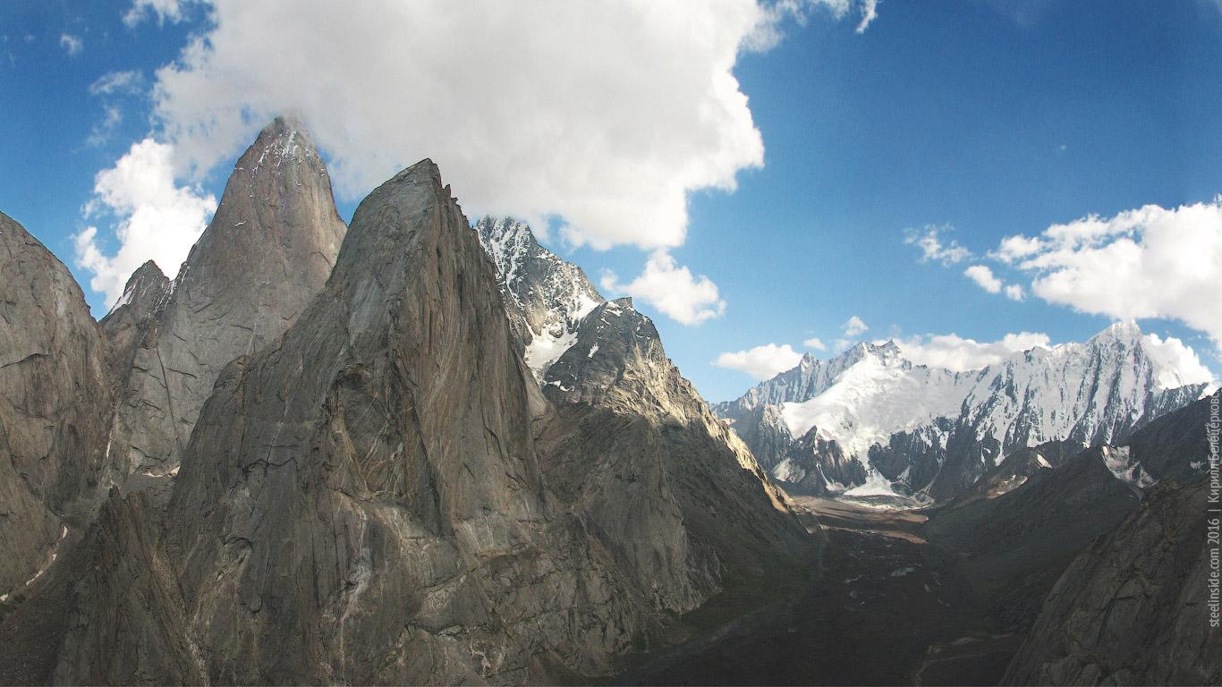 Вид с вершины Жёлтой Стены