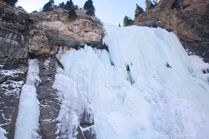 Ледолазание на водопаде Барскаун