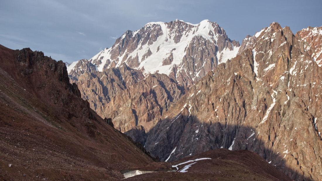 Вид на Талгар от ледника ТЭЮ Северный