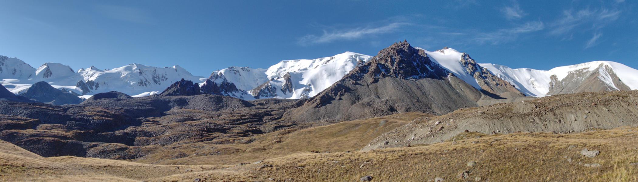 Вершины над ледником Григорьева. Верховья Иссыка.