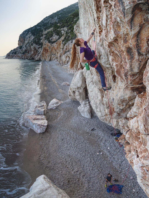 Катя Летавская на пляже Акьярлар